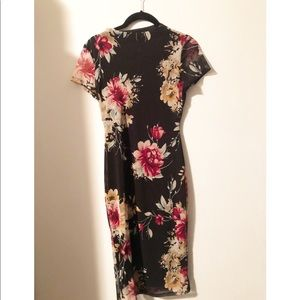 🌹🌸 FLORAL SHORT SLEEVE MESH DRESS WITH LINING 🌸